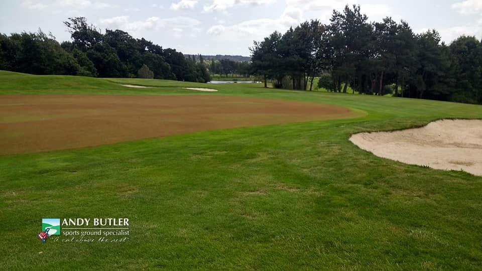 golfing greens maintance at ddsbury luxury golf club ferndown august 2019 f andy butler sports ground specialist