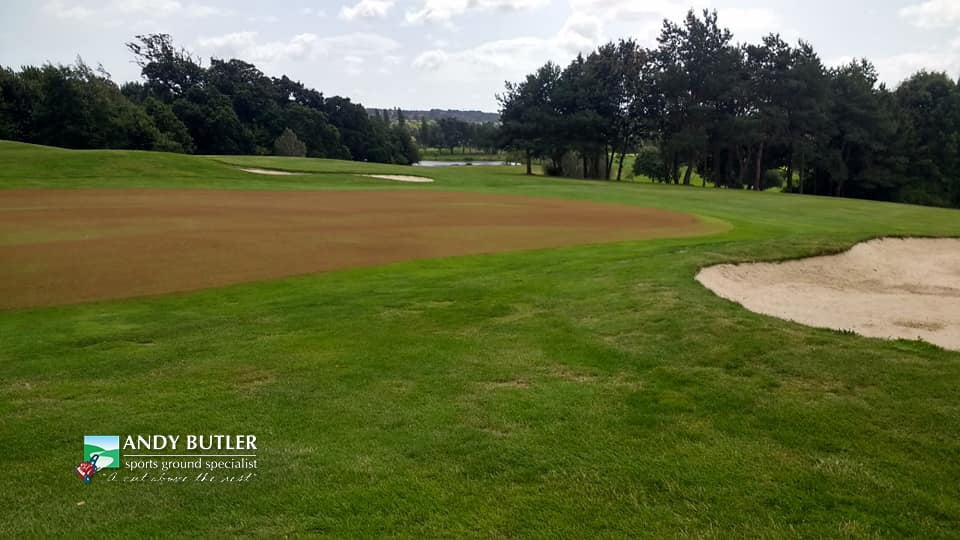 golfing greens maintance at ddsbury luxury golf club ferndown august 2019 f andy butler sports ground specialist